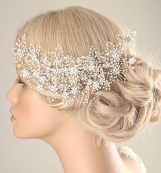 Hey, I found this really awesome Etsy listing at https://www.etsy.com/listing/266749599/wedding-hair-piece-bridal-pearl