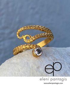 Gold Fashion, Woman Fashion, Fashion Jewelry, Garnet Rings, Garnet Gemstone, Cheap Rings, Unique Rings, Octopus Ring, Tentacle