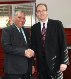 CHAIRMAN TONY DEEP WOUHRA MBE VISITS SIR JAMES BEVAN #indianfood #eastendfoods
