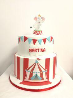 Tarta de cumpleaños en Palma de Mallorca Chocolate, Cake, Desserts, Food, Birthday Cake, Candy Table, Palms, Majorca, Tailgate Desserts