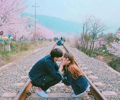 Image about girl in find your way to love by Thaissa Araújo Santana Kpop Couples, Cute Couples, Couple Aesthetic, Asian Love, Korean Couple, Ulzzang Couple, Avatar Couple, Cute Relationship Goals, Cute Korean