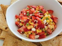 Home Skillet - Smoky Strawberry and Corn Salsa Bread Appetizers, Recipes Appetizers And Snacks, Healthy Appetizers, Snack Recipes, Corn Recipes, Desserts, Party Snacks, Grilling Recipes, Sauces