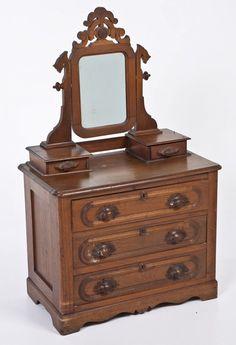 Victorian Miniature Dresser : Lot 483