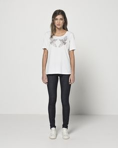 Relaxed T - Two Tuis (White) Mid Rise Skinny (Dark Indigo)