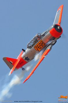 Warlock Photography: Harvards operated in South Africa South African Air Force, Propeller Plane, Army Day, Military History, Aviation, Aircraft, Aeroplanes, Harvard, Radios
