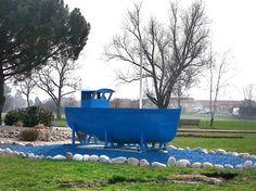 le sardinier bleu du rond-point  d'Aulnat (63)