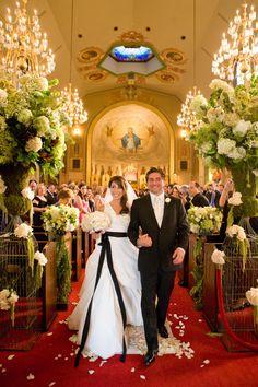 Wedding Ceremony | Church | Bridcage | Red Carpet | Fancy! That Events | couturefoto | tic-tock Couture Florals