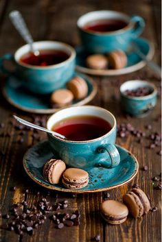 Tea with chocolate macarons - This blue. With brown. chocolate macarons with blue tea time … - Coffee Love, Coffee Break, Morning Coffee, Coffee Cups, Coffee Shot, Espresso Cups, Morning Food, Coffee Coffee, Coffee Photography