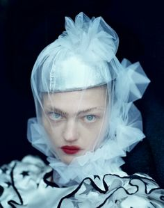 Sasha Pivovarova, Ph. Tim Walker 206