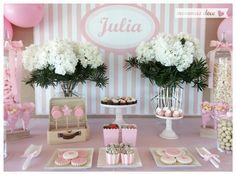 Mesa dulce. Candy bar. Mesa dulce rosa. Mesa dulce comunión. Diseñada por www.mommas.es