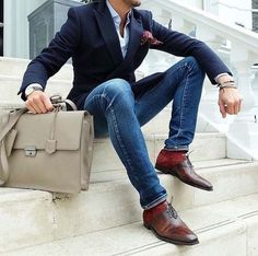 stylish jeans for men Men's Navy Blazer, Light Blue Dress Shirt, Blue Skinny Jeans, Brown Leather Oxford Shoes. Trajes Business Casual, Business Attire, Business Style, Mens Fashion Blog, Fashion Mode, Work Fashion, Style Fashion, Fashion Trends, Elegance Fashion