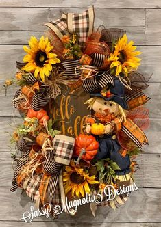 Scarecrow Doll, Scarecrow Wreath, Diy Fall Wreath, Autumn Wreaths, Wreath Ideas, Holiday Wreaths, Holiday Decor, Halloween Witch Wreath, Halloween Party