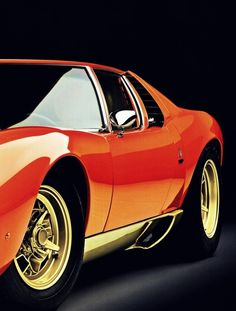 Lamborghini Miura !chinmay look at this ! This looks grand na !