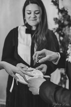 Deroule de l echange des alliances pendant ceremonie de mariage laique #rituel #rituellaique #echange #consentement #lesrubans #interculturalceremony  #cérémonie  #ceremonie  #mariageunique #weddingofficiant #officiantdeceremonie #ceremonielaique  #cérémonielaïque  #mariage  #insolite #idee #jourj #larochelle #nantes #bordeaux #gironde #charente #organisationmariage #weddingphotographer #stephanymora Resin Ring, Resin Jewelry, Eco Resin, Bordeaux, Yellow Roses, Minimalist Jewelry, Stacking Rings, My Design, Im Not Perfect