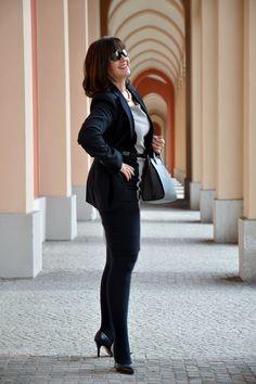 Black is beautiful - Business Look for ladies 40plus - www.lady50plus.de