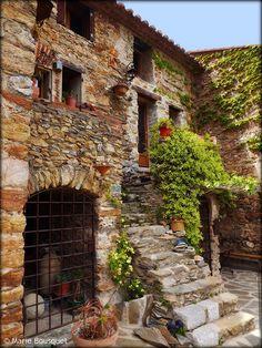 Maison au petit escalier by bleumarie, via Flickr -- Castelnou, Languedoc-Roussillon
