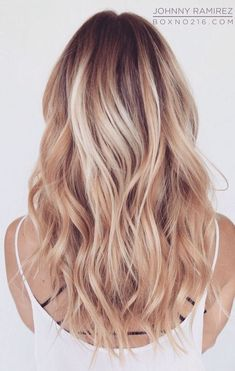 Die schönsten Strawberry Frisuren und Haare in blond. #strawberry #blonde #blondehair #blondegirl #hair #hairstyles #haircolor #haircut