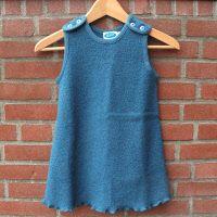 Wollkleid von Reläx (Reiff-Strick), blau 0481  Wollkleid von Reläx (Reiff-Strick), aus 100 % Schurwolle (Boucle-Struktur) Farbe: blau.