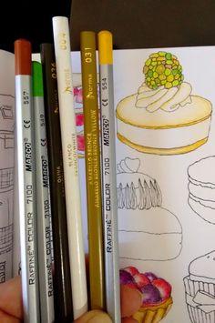 Gostaria de mostrar para vocês meu livro de colorir novo: Segredos de Paris da Editora Sextante com a autora  Zoé de Las Cases. Simples...