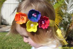 DIY Egg Carton Headbands - This craft has so many fun elements to it! Preschool Art, Craft Activities For Kids, Craft Ideas, Egg Box Craft, Diy For Kids, Gifts For Kids, Crafts To Do, Arts And Crafts, Handmade Birthday Gifts
