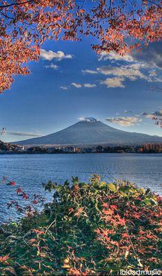 Lake Kawaguchi  & Fuji Kawaguchiko, Shizuoka, Japan