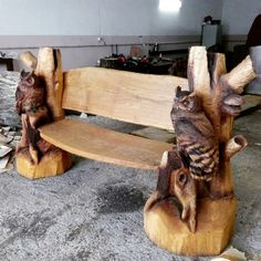 Unique Wood Furniture, Teak Furniture, Tv Stand Out Of Pallets, Chain Saw Art, Chainsaw Wood Carving, Tree Carving, Owl Crafts, Wood Patterns, Wood Sculpture