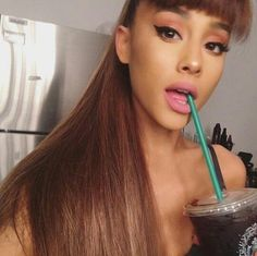 Concert Makeup Ariana Grande Selena Gomez, Ariana Grande Fans, Ariana Grande Pictures, Concert Makeup, Bae, Ariana Grande Dangerous Woman, New Years Eve Makeup, Pretty Makeup Looks, Blue Makeup