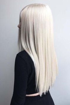 Most of us at some point wonder what we will feel like blond hair with sports hair. Whether it's to tidy blond hair with some highlights or 'go blonde' by whitening your brunette lock, there are so many different colors… Continue Reading → Platinum Blonde Hair Color, Beauté Blonde, White Blonde Hair, Blonde Hair Shades, Blonde Hair Looks, Silver Blonde, Blonde Color, Silver Hair, Long White Hair