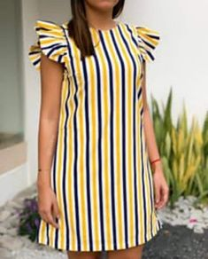 Short African Dresses, Latest African Fashion Dresses, African Print Fashion, Short Dresses, Simple Dresses, Casual Dresses, African Print Dress Designs, Chic Outfits, Fashion Outfits