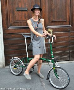 How to ride a bicycle stylishly in Milan, Italy on a Brompton folding bike