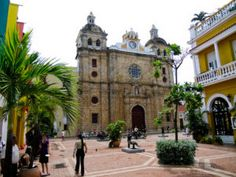 Thanks to the low cost of living, expats in Cartagena can afford luxuries that they only dreamed of back home. Cost Of Living, Santa Marta, Amazing Shopping, Interesting History, Barcelona Cathedral, Adventure Travel, Things To Do, Mansions, Luxury
