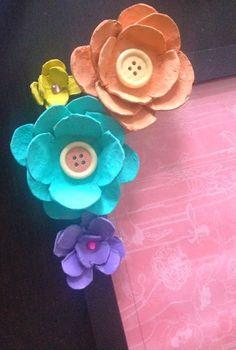 ΚΑΤΑΣΚΕΥΕΣ με ΛΟΥΛΟΥΔΙΑ φτιαγμένα από ΧΑΡΤΙΝΕΣ ΑΥΓΟΘΗΚΕΣ | ΣΟΥΛΟΥΠΩΣΕ ΤΟ