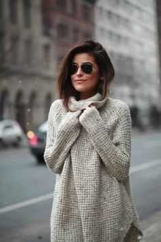 Love the relaxed fit and color. I'm not sure if I can pull off the turtle neck/mock neck but would be willing to try.
