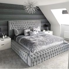 💤B E D R O O M💤 I have missed my amazing bed & I'm going to have the best early night tonight 😆 bed before 9 that's my aim. ⭐️ MY HAPPY PLACE ⭐️ Swipey swipey for different bedroom views 🖤 Happy Tuesday all. Here are ten tiny bedro Luxury Bedroom Design, Girl Bedroom Designs, Room Ideas Bedroom, Master Bedroom Design, Home Decor Bedroom, Beds Master Bedroom, Silver Bedroom Decor, Black Master Bedroom, Silver Room