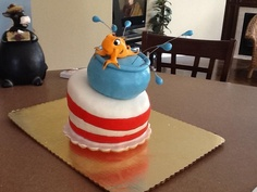 Cat in the hats fish  Between the layers. Sweets by Mandy betweenthelayerstreats@gmail.com