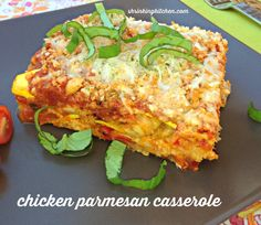Chicken Parmesan Casserole has all the flavors of the original dish, but it's lightened up AND in one dish! Ww Recipes, Chicken Recipes, Cooking Recipes, Healthy Recipes, Healthy Foods, Cooking Pasta, Cooking Rice, Cooking Pork, Fodmap Recipes