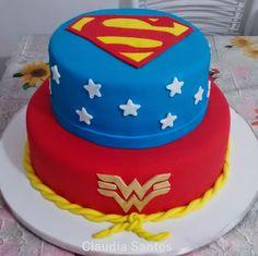 Encontrada no Google em bolodecorado.art Birthday Cake, Desserts, Food, Cake Photos, Men And Women, Birthday Cakes, Beautiful Gardens, Houses, Tailgate Desserts
