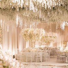 Such a dream!  #whitewedding by @whitelilacinc #weddingdecor #weddinginspiration #weddingdress