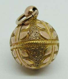 Large Victorian 9ct Gold Puffed Decorative Ball Charm