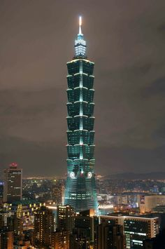 The second highest building in the world is Taipei 101 which is originally called Taipei Financial Center. It is 509 meters high and has 101 floors and 5 underground floors. World Famous Buildings, Amazing Buildings, Modern Buildings, Amazing Architecture, Modern Architecture, Building Architecture, Chinese Architecture, Taipei 101, Taipei Taiwan