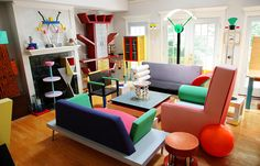 Interior Design: Memphis-Milano 1980's Italian Design. Love this livingroom . . . <3