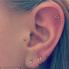 Sep 2017 - Be prepared: 'If it's done properly, it shouldn't hurt more than any other piercing,' says Cassi. 'There shouldn't be any health risks or intense pain if you take your time, do your research and find a reputable piercer,' Ear Piercings Chart, Piercing Chart, Cute Ear Piercings, Ear Piercings Cartilage, Piercing Tattoo, Body Piercing, Peircings, Gold Body Jewellery, Ear Jewelry