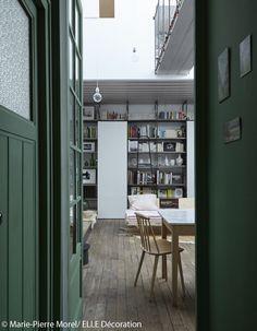 Une entrée en vert Calk de Farrow&Ball chez Christèle Ageorges