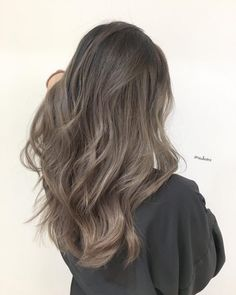 aschbraunes haar Hair Colour Summer Trends You Have To Start ing - UK Ash Brown Hair Color, Brown Ombre Hair, Brown Hair Balayage, Brown Blonde Hair, Ombre Hair Color, Light Brown Hair, Hair Highlights, Brunette Color, Color Highlights