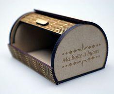 Prototype de boîte à bijoux de designer en gravure et decoupe laser   découpe laser
