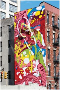 This Havianas ad is creative in that it augments a wall mural form of support media with a 3D effect. I think that the ad is also memorable because the integration of colors and shapes makes consumers think about what the object is portraying. I also think it is effective because once realizing the painting is a flip flop, the Haviana brand is easily discernible.