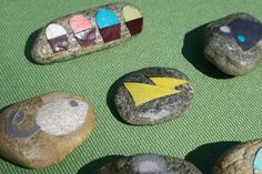 red bird crafts: story telling stones: mouse picnic
