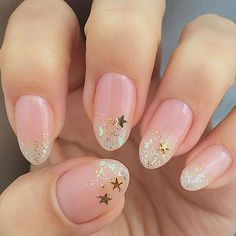 2017/03/30(木) ヌーディなキラキラ✨春夏ネイル ・ ネイルファンデーションが噂通り抜群( ゚д゚) さっと1度塗りで完結、乾きもはやっ で自分に合わせたかの色味で 万人受けさせるって恐るべし。パラドゥさん ・ 爪のピンクの部分(肉?)を伸ばしたい… どうすれば ・ ・ #セルフネイル #セルフネイル部 #selfnails #大人可愛いネイル #ショートネイル部 #ウィークリージェル #weeklygel #ポリッシュネイル #HOMEI #セルフジェルネイル #セルフジェルネイル部 #ヌーディーネイル #ヌーディーカラー #星ネイル #ラメグラデーションネイル #クリアネイル #オーロラネイル #ネイルファンデーション #パラドゥ