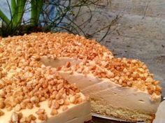 Karamelltorte mit karamellisierten Mandeln