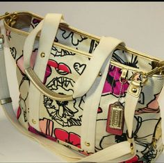 Coach Kyra convertible Tote I think these pictures speak for themselves! It's a beautiful pre-loved Coach Kyra tote! Comes with the long strap to also make a crossbody bag. Coach Bags Totes